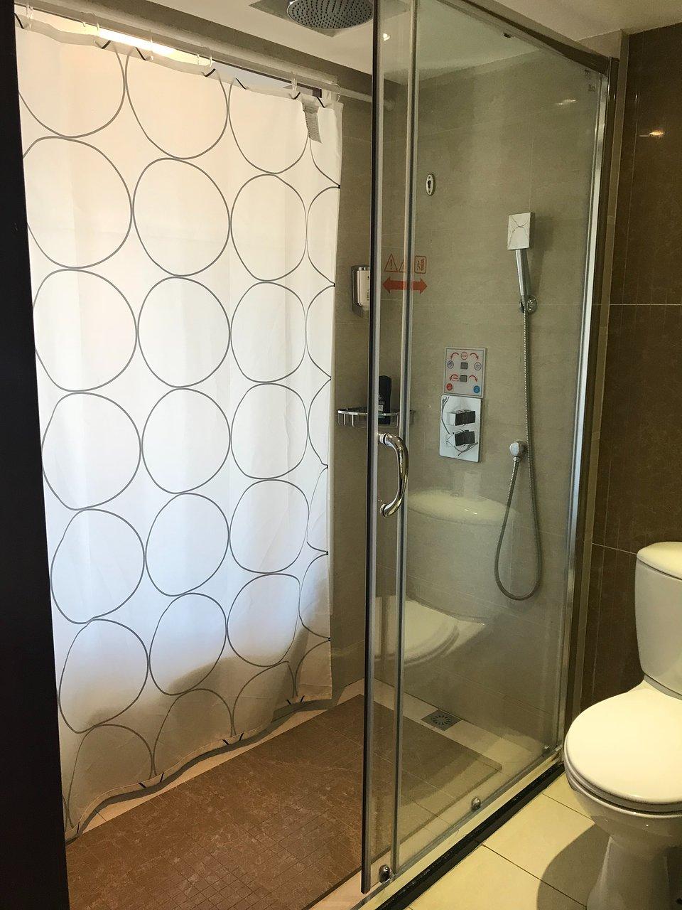 Eitelkeit Mein Bad Referenz Von Huatian Chinagora Hotel $163 ($̶1̶8̶1̶) - Updated