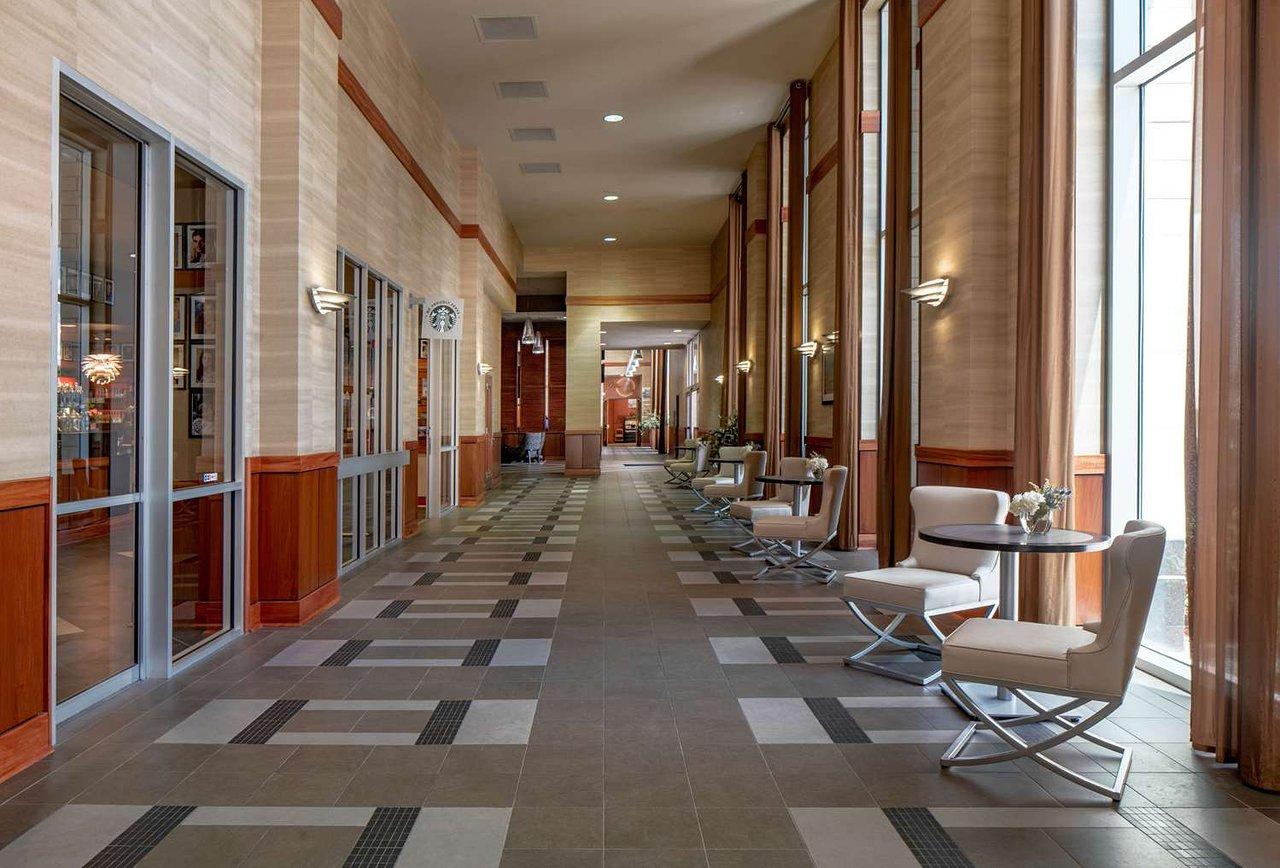 HILTON SHREVEPORT $98 ($̶1̶1̶8̶) - Updated 2018 Prices & Hotel ...