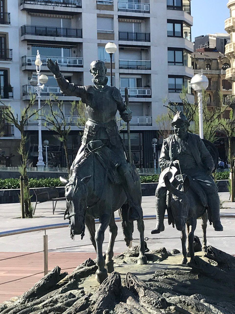 Don Quijote Y Sancho Panza Donostia San Sebastian Aktuelle 2019