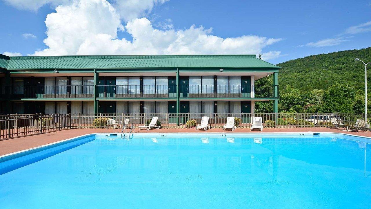 Magnuson Hotel Mountain View 106 1 3 Updated 2018 Prices Reviews Covington Va Tripadvisor