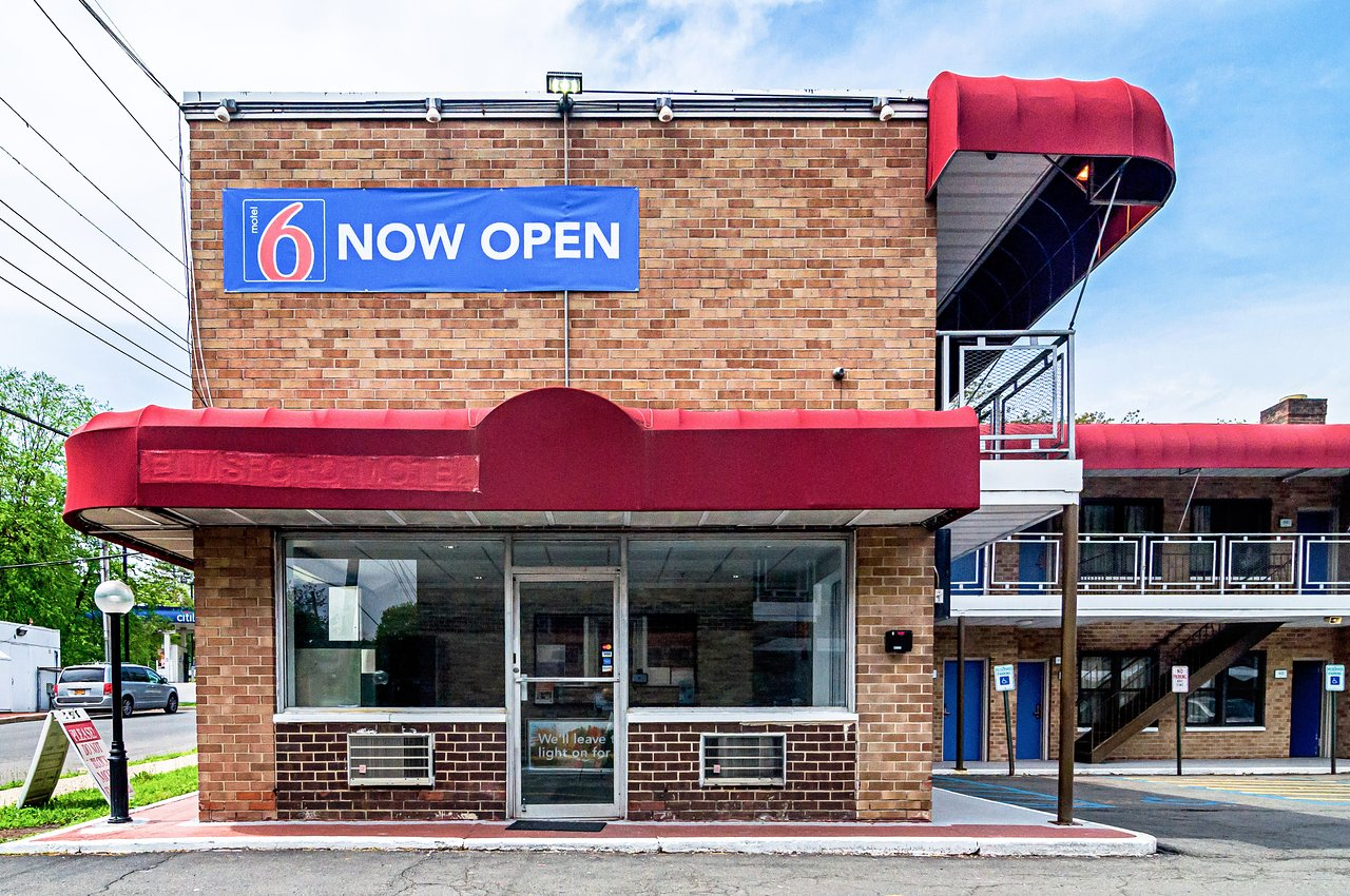 Motel 6 Elmsford Ny Updated 2018 Prices Hotel Reviews Westchester County Tripadvisor