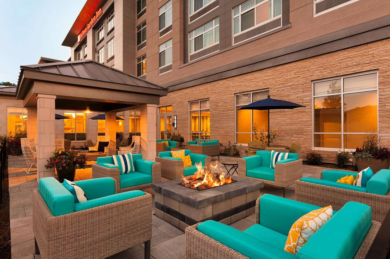 HILTON GARDEN INN LENOX PITTSFIELD $138 ($̶1̶6̶8̶) - Updated 2018 ...