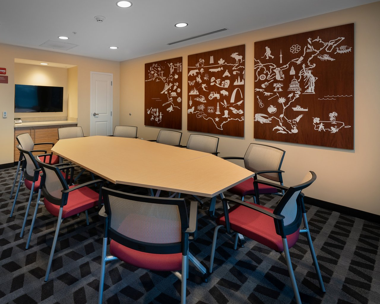 TOWNEPLACE SUITES BY MARRIOTT MILWAUKEE OAK CREEK $94
