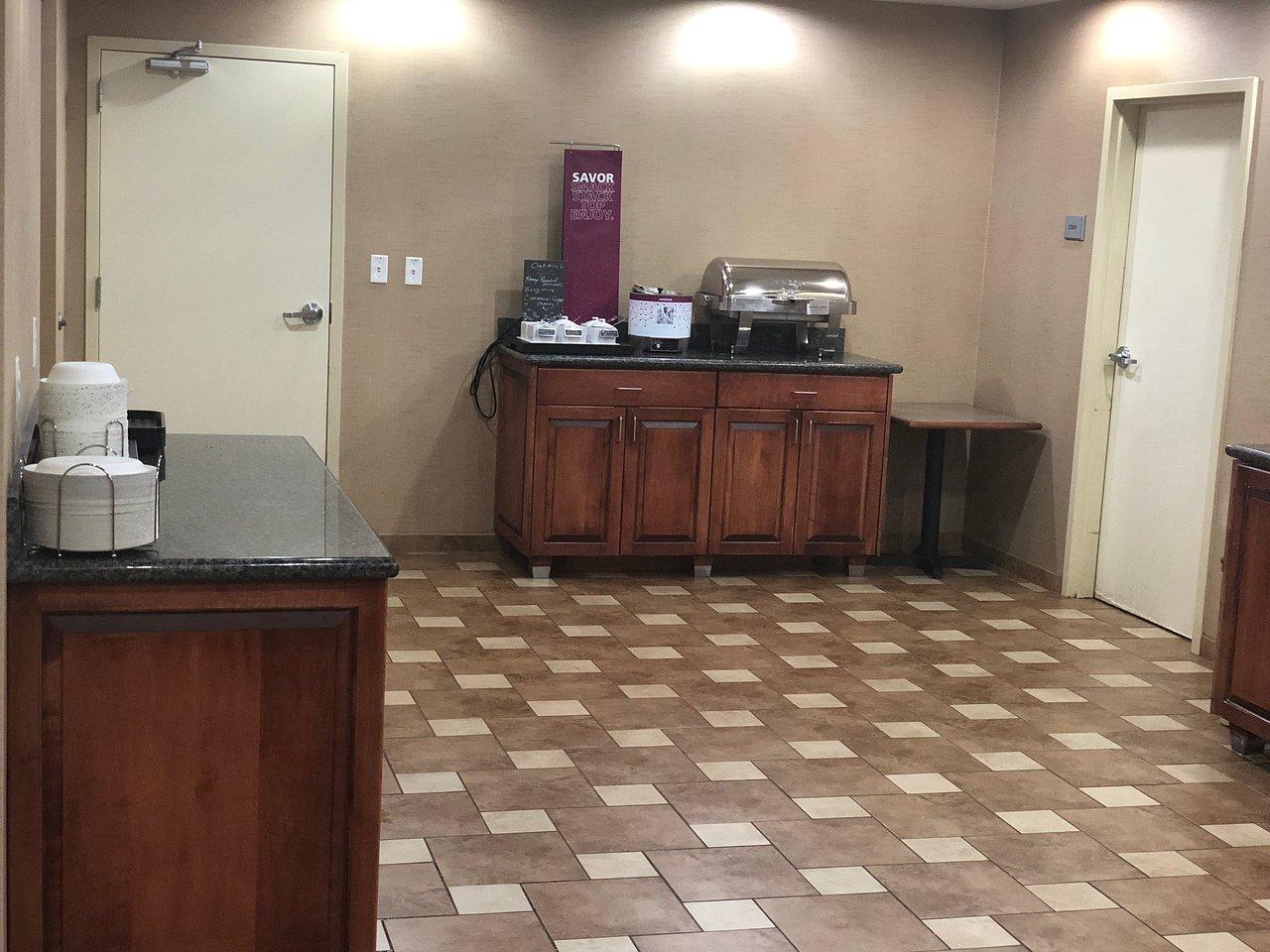HAMPTON INN SIDNEY $80 ($̶9̶2̶) - Updated 2018 Prices & Hotel ...