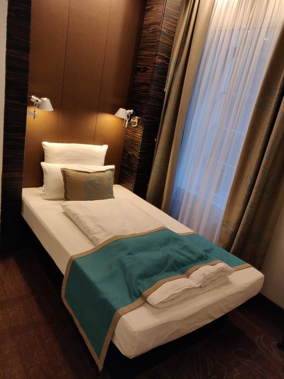MOTEL ONE EDINBURGH ROYAL Hotel Reviews Photos