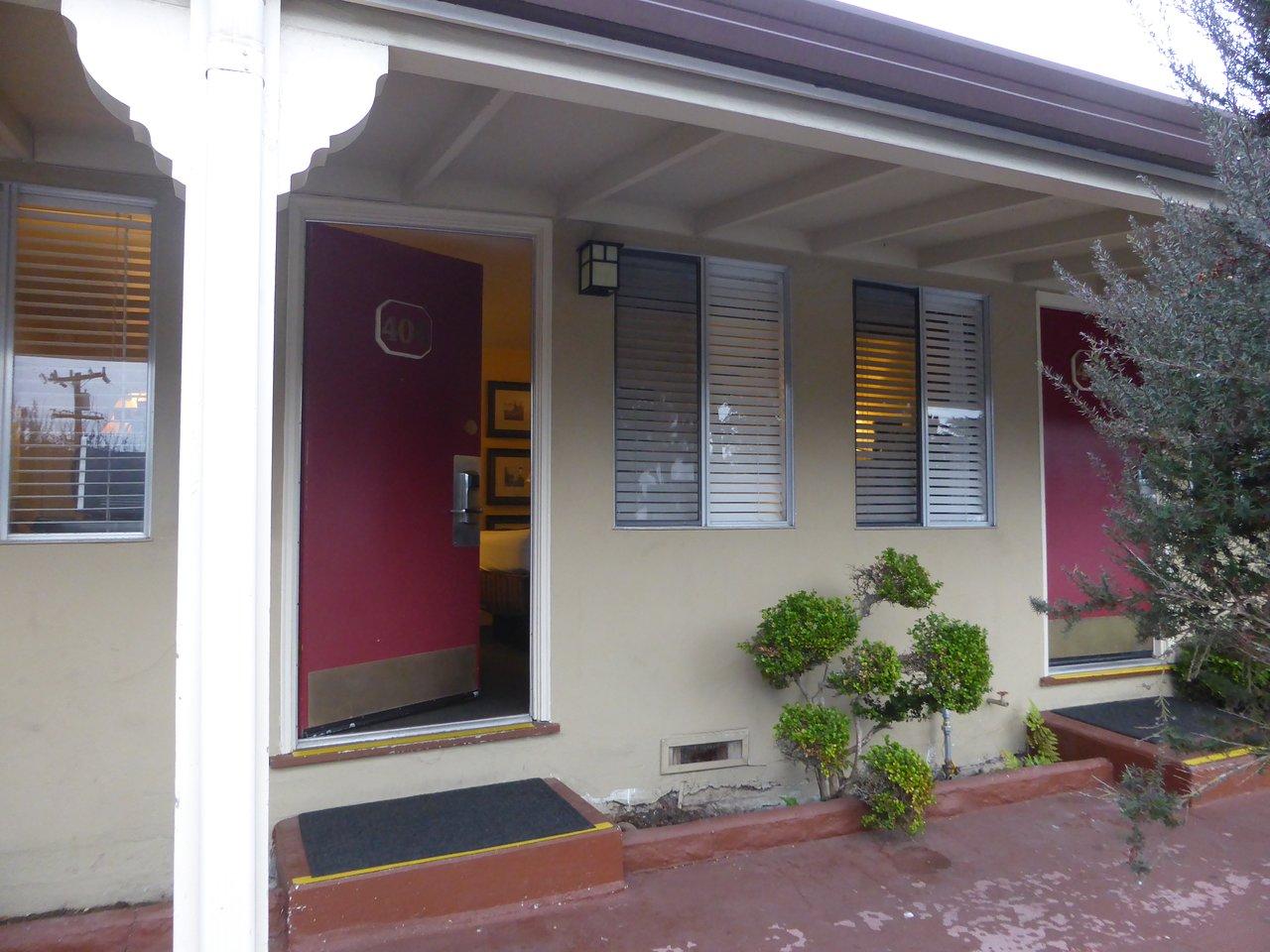 Monterey Peninsula Inn 99 109 Updated 2018 Prices Motel