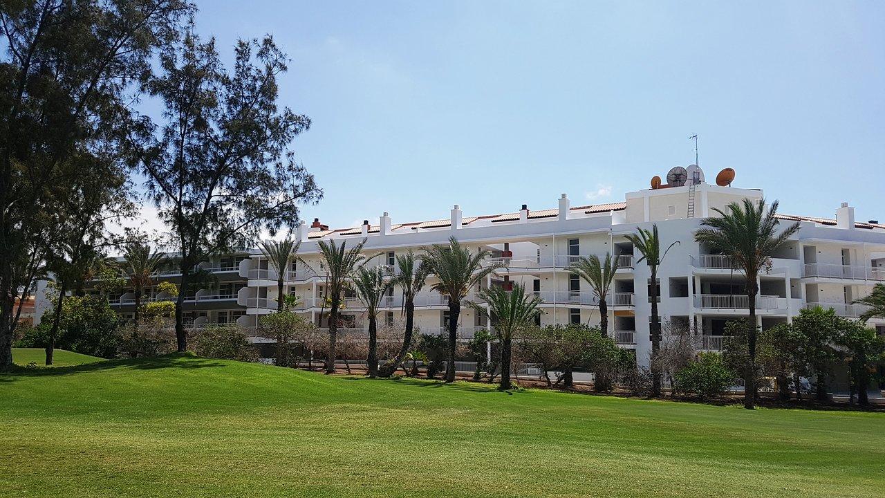 Resultado de imagen de hotel gara suites golf & spa
