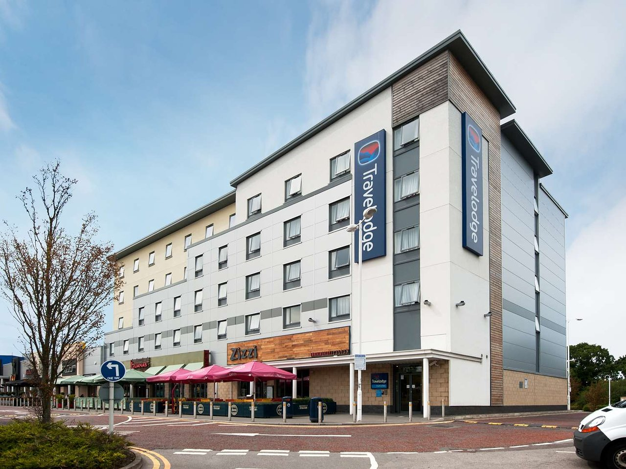 travelodge cheshire oaks updated 2019 prices hotel reviews and rh tripadvisor co uk