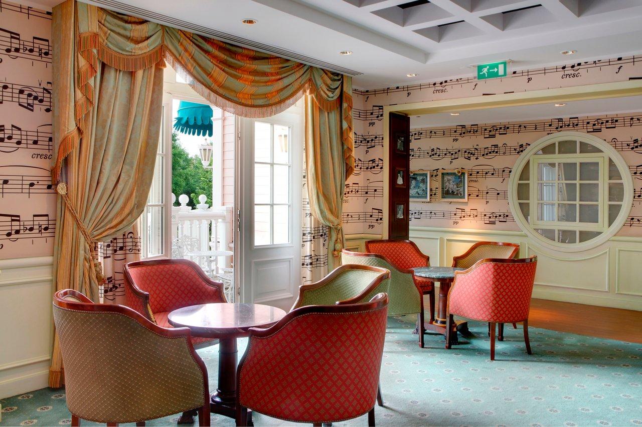 Camere Disneyland Hotel : Disneyland hotel chessy francia : prezzi 2019 e recensioni