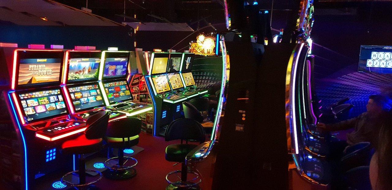Казино берлина spielbank лучшее казино амстердама