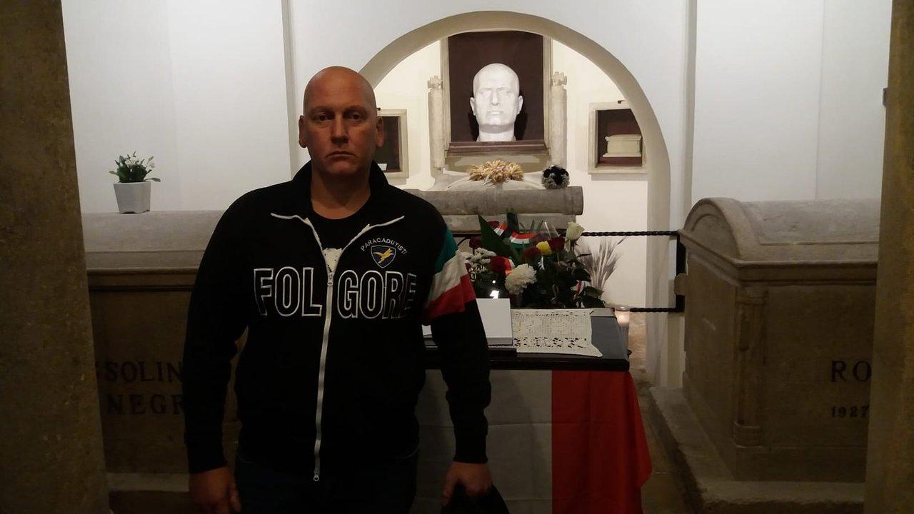 Cimitero Monumentale Predappio Fc predappio tricolore souvenir - 2020 all you need to know