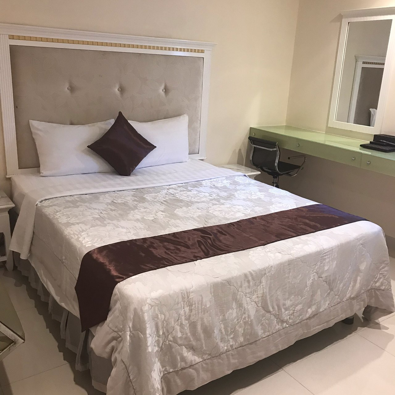 best dating ho chi minh city hostels near airports