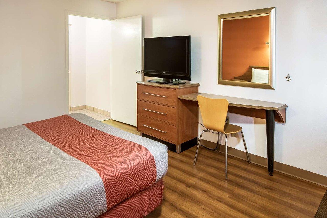 motel 6 dayton englewood 60 7 0 prices hotel reviews rh tripadvisor com