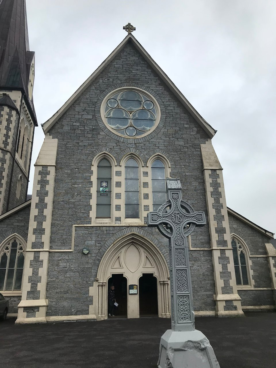 Cork to Kenmare - 3 ways to travel via train, bus, and car