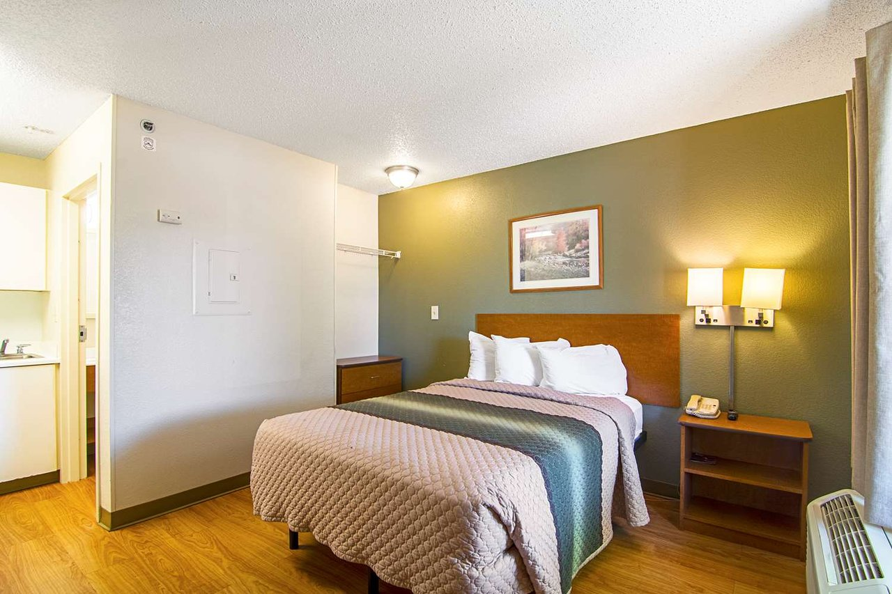 hometowne studios chicago waukegan by redroof updated 2019 rh tripadvisor com