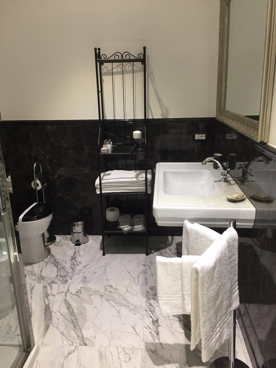 Aurora Luxury Suites 96 1 7 0 Prices Condominium