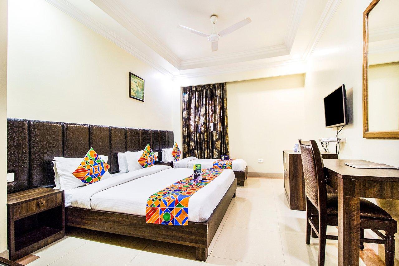 FABHOTEL AAY KAY MODEL TOWN (Amritsar) - Hotel Reviews