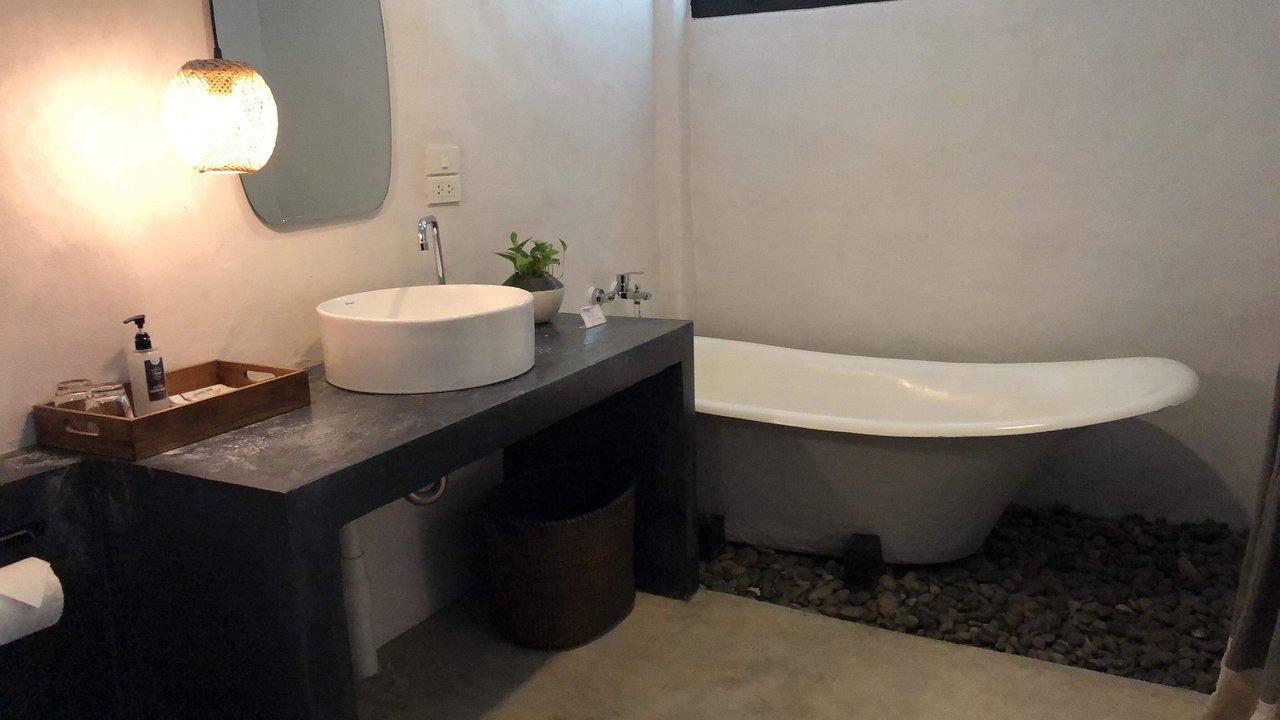 Vasca Da Bagno In Inglese Tradurre : Chotana villa hotel chiang mai thailandia : prezzi 2019 e recensioni