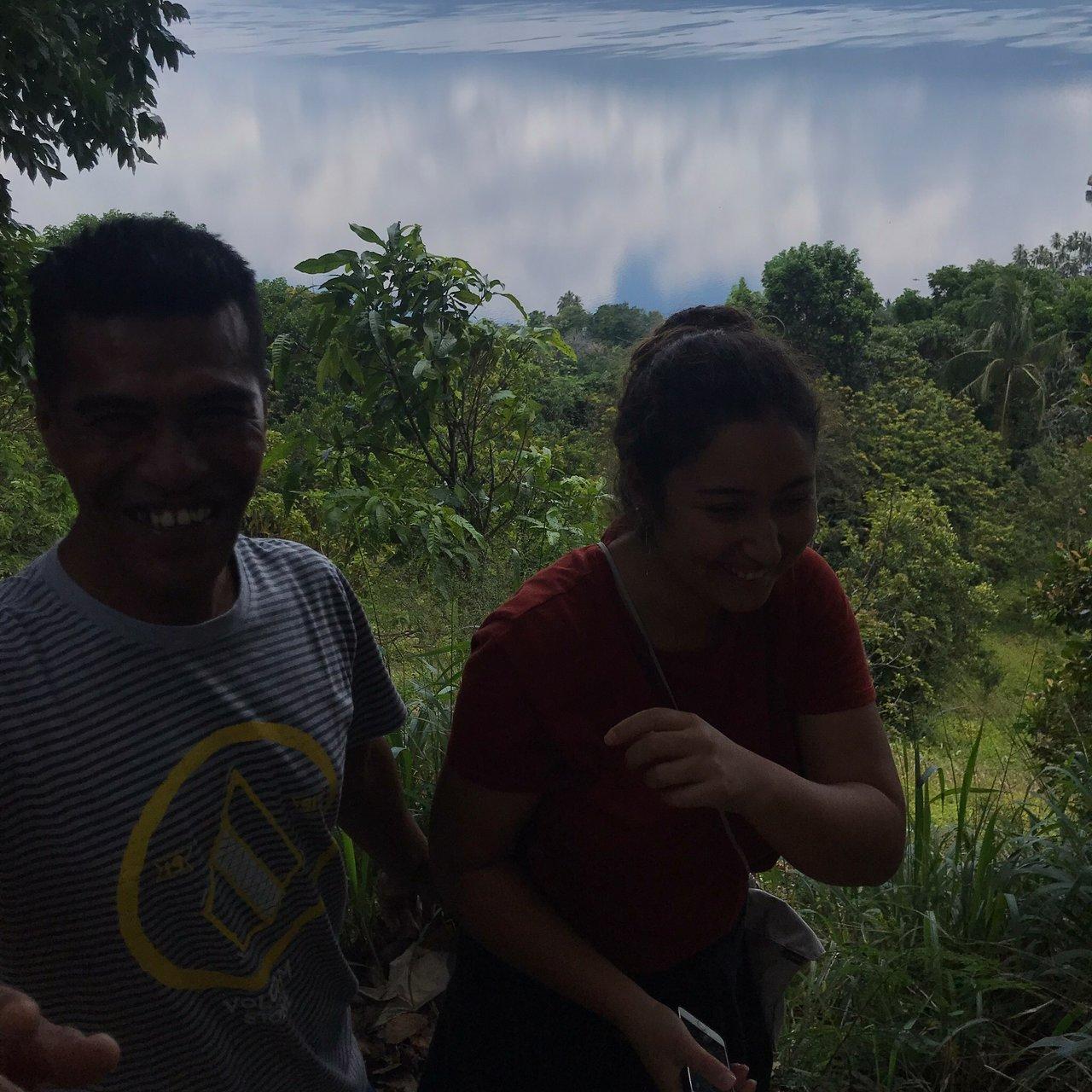 Kampung Minang Nagari Sumpu Kecamatan Batipuh Selatan Tanah Datar Sumatera Barat Menawarkan Wisata Berbasis Kearifan Lokal Kepada Wisatawan Terletak Di Tepian Danau Singkarak Lebih Kurang 20 Menit Dari Kota Padang Panjang Di Nagari