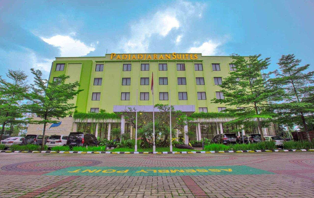 padjadjaran suites resort convention hotel 20 5 6 updated rh tripadvisor com