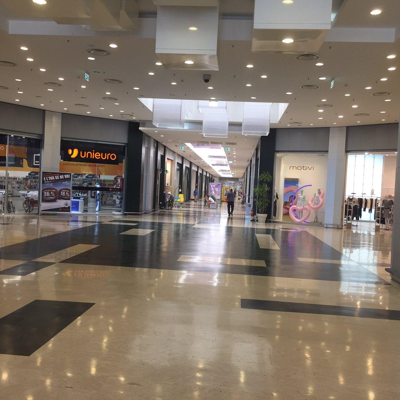 GEOX   Centro Commerciale Le Masserie