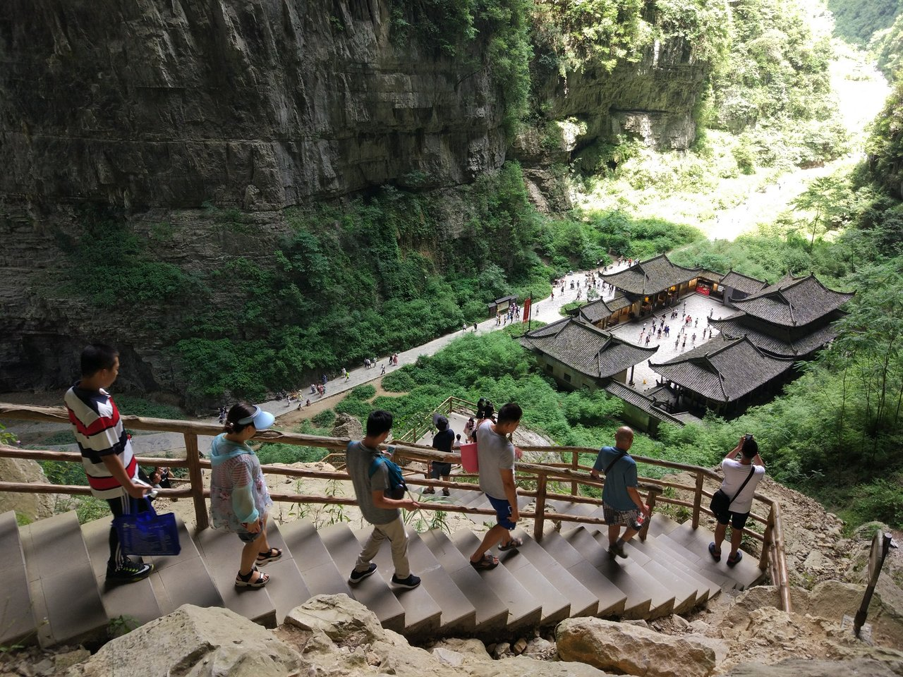 ChongQing wulong karst car rental with driver