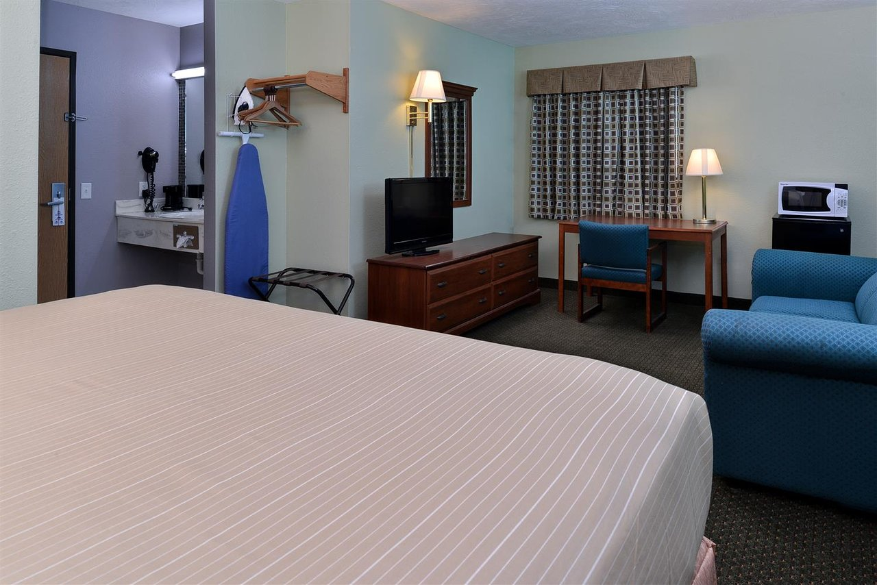 Americas Best Value Inn Seymour 73 8 3 Updated 2018 Prices Hotel Reviews Mo Tripadvisor