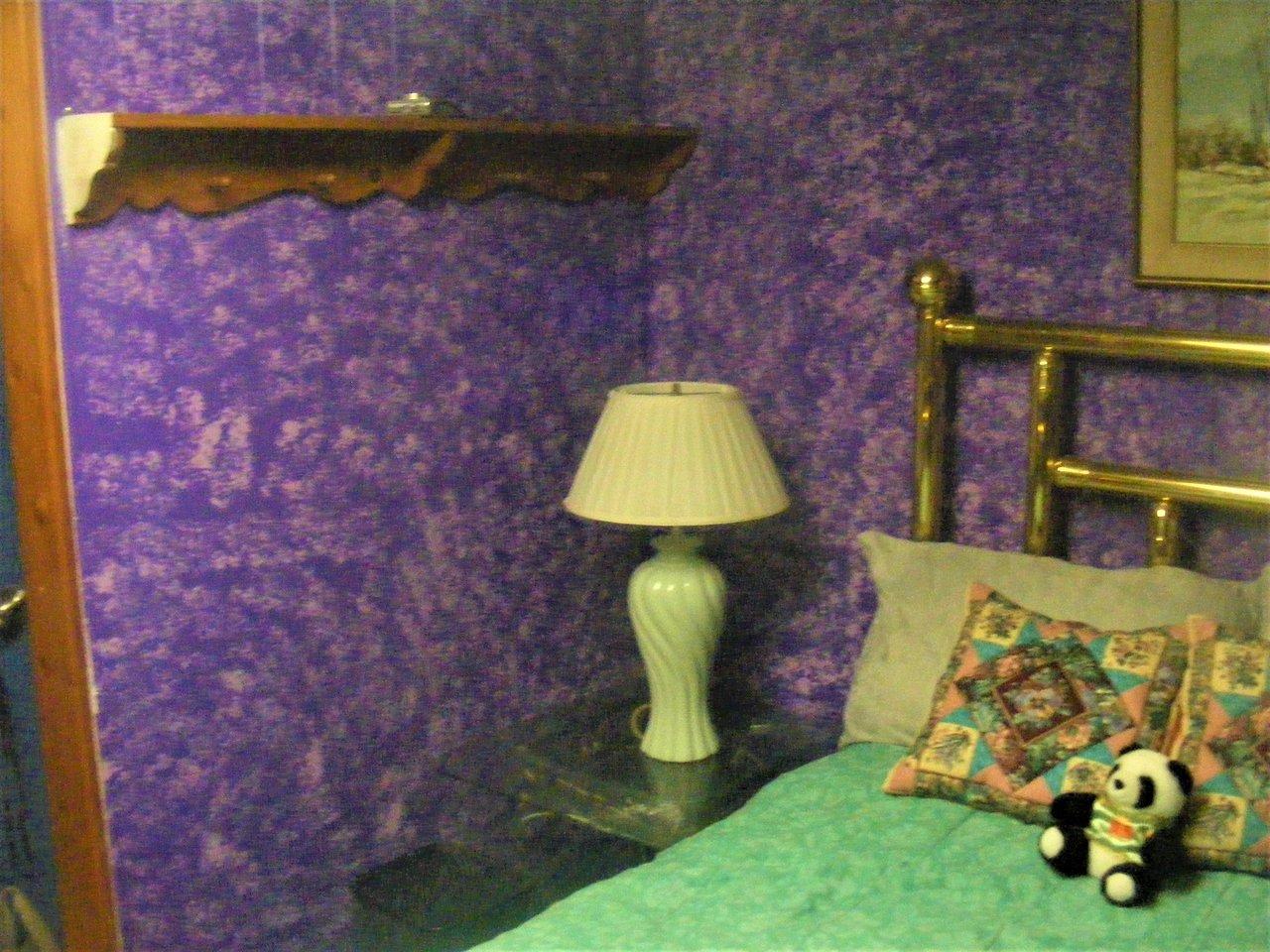 The Purple Enu Guest House Reviews Edmonton Alberta
