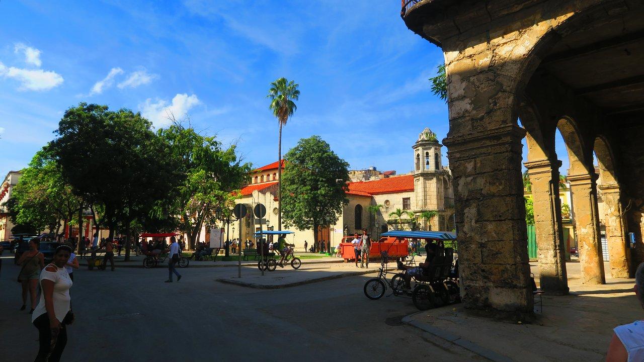 Plaza del Cristo, Cuba