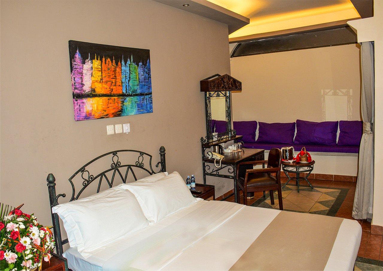 Sentrim castle royal hotel 2020