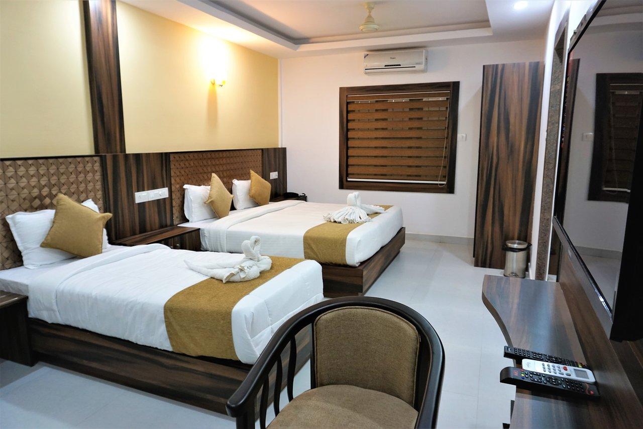 Marvelous Hotel Kochi Crown Updated Prices Reviews Photos Kochi Interior Design Ideas Apansoteloinfo
