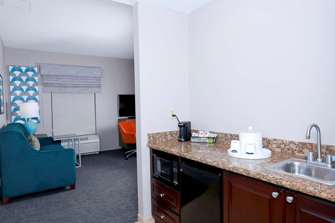 Hampton Inn Suites Tampa Wesley Chapel 96 179 Updated