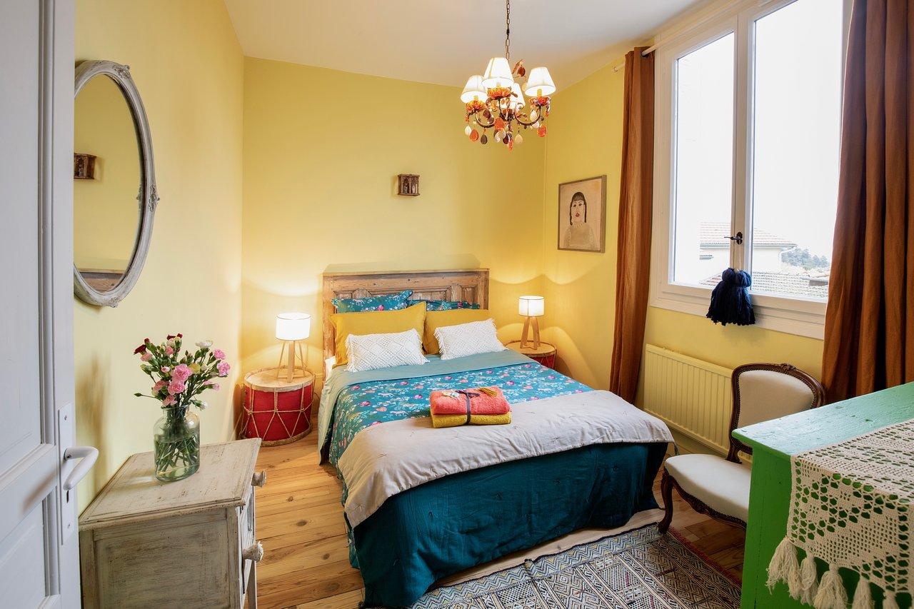 Salle De Bain Chocolat Turquoise la pension du cure - prices & specialty b&b reviews (saint