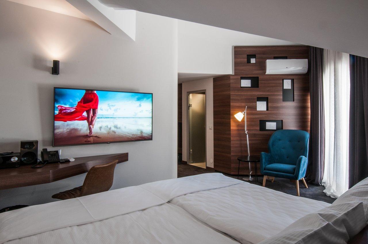 Αποτέλεσμα εικόνας για 1. BEST WESTERN Premier Natalija Residence