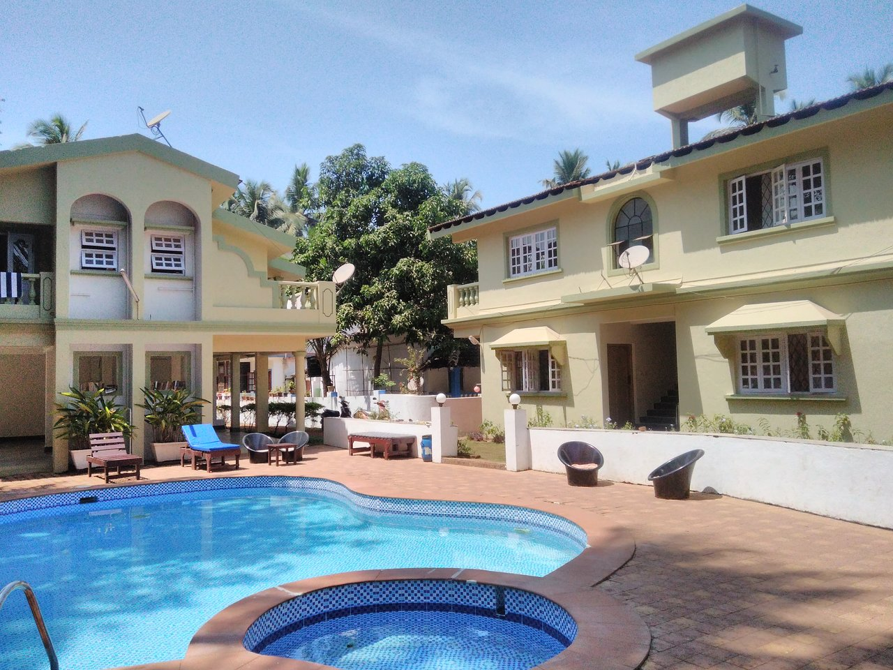 Flower Holiday Home Prices Lodging Reviews Goa Candolim