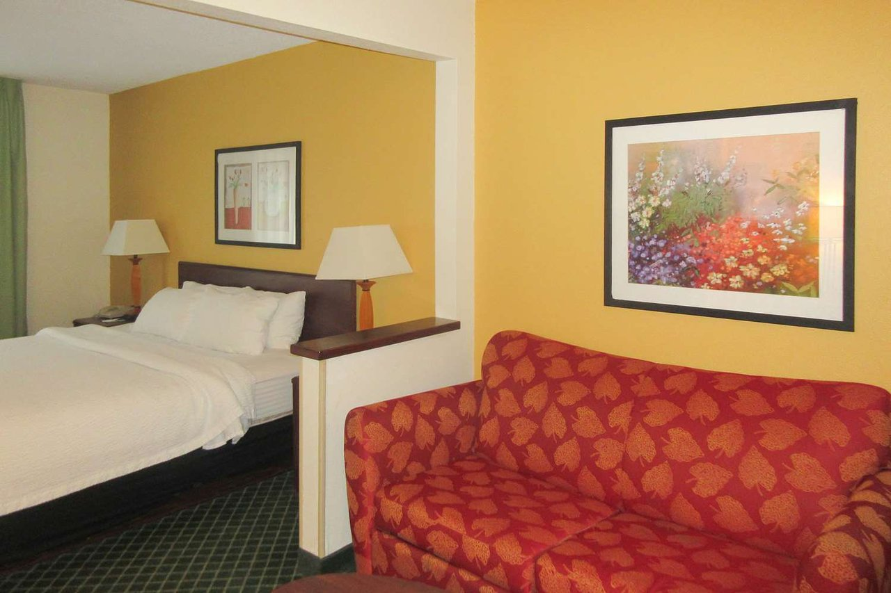 QUALITY INN & SUITES UNIONTOWN - Updated 2019 Prices & Hotel Reviews