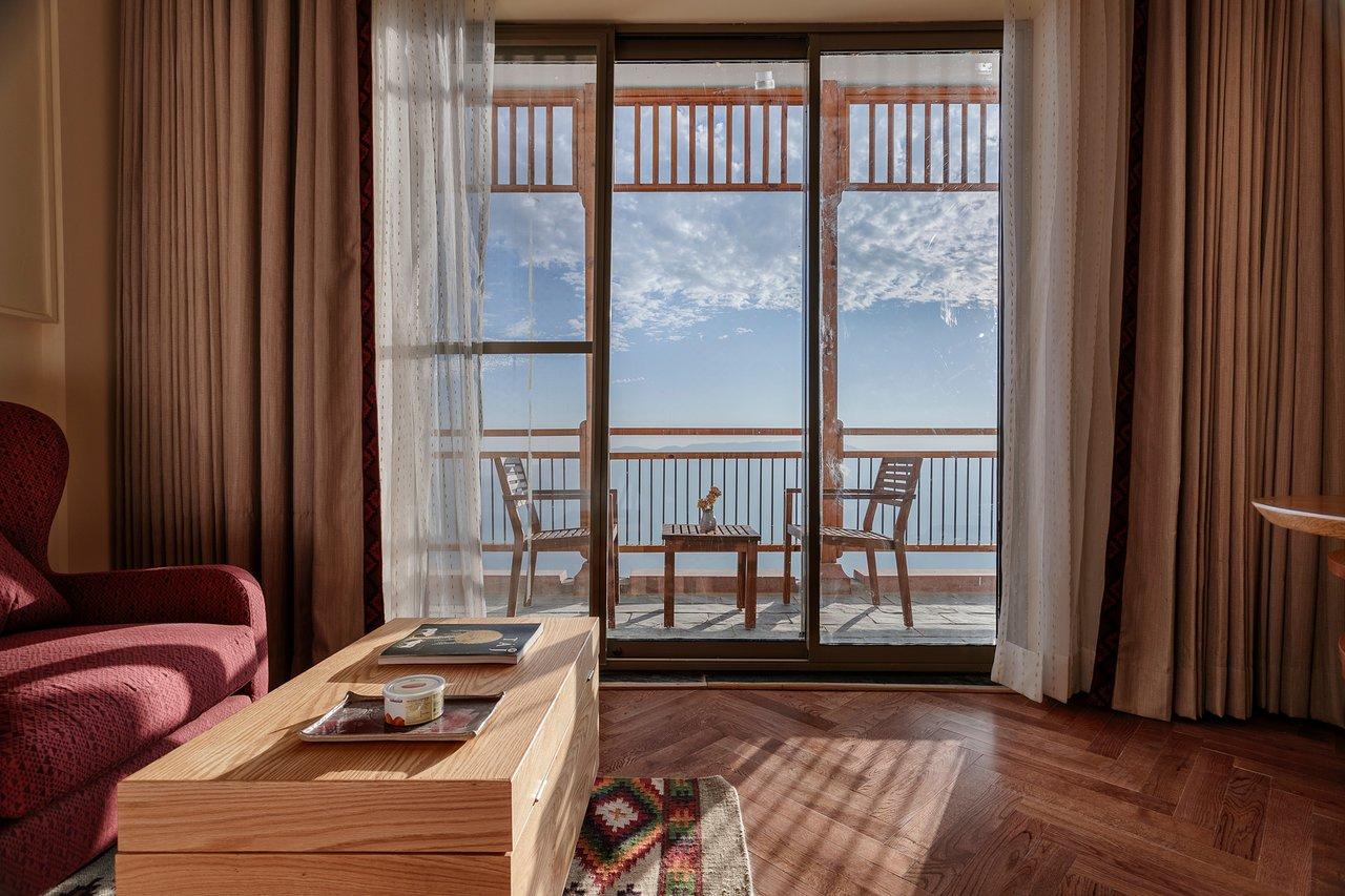 TAJ THEOG RESORT & SPA, SHIMLA (Theog Tehsil) - Hotel Reviews, Photos, Rate  Comparison - Tripadvisor