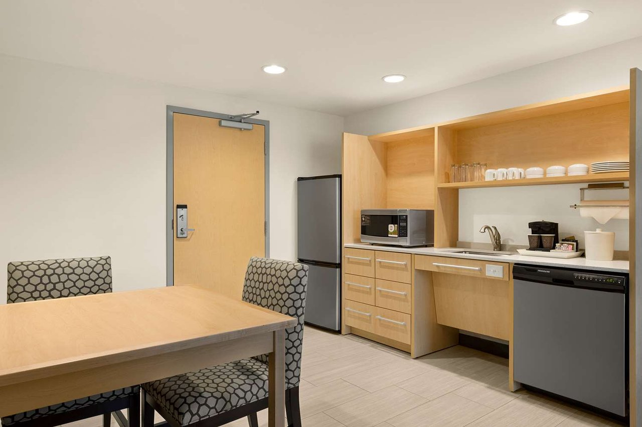 HOME2 SUITES BY HILTON AUSTIN NORTH/NEAR THE DOMAIN $136