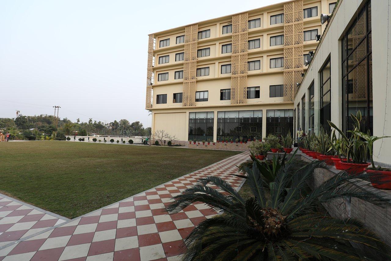 AM HOTEL KOLLECTION: THE GREENWOOD, TEZPUR (Assam) - Hotel