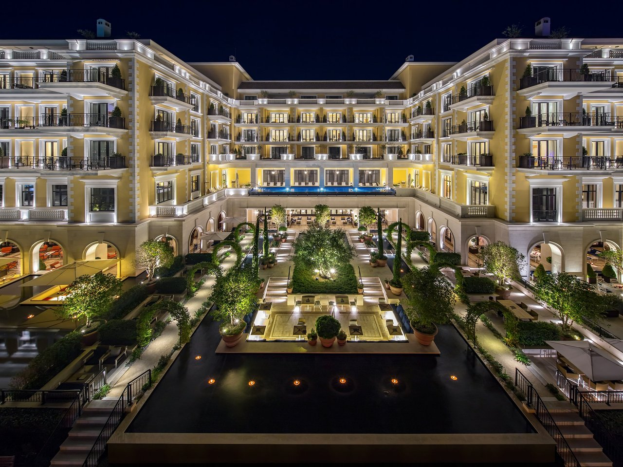 Регент отель в порто монтенегро