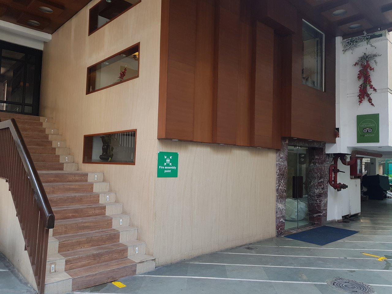 ROLAND HOTEL (Kolkata, West Bengal) - Hotel Reviews, Photos