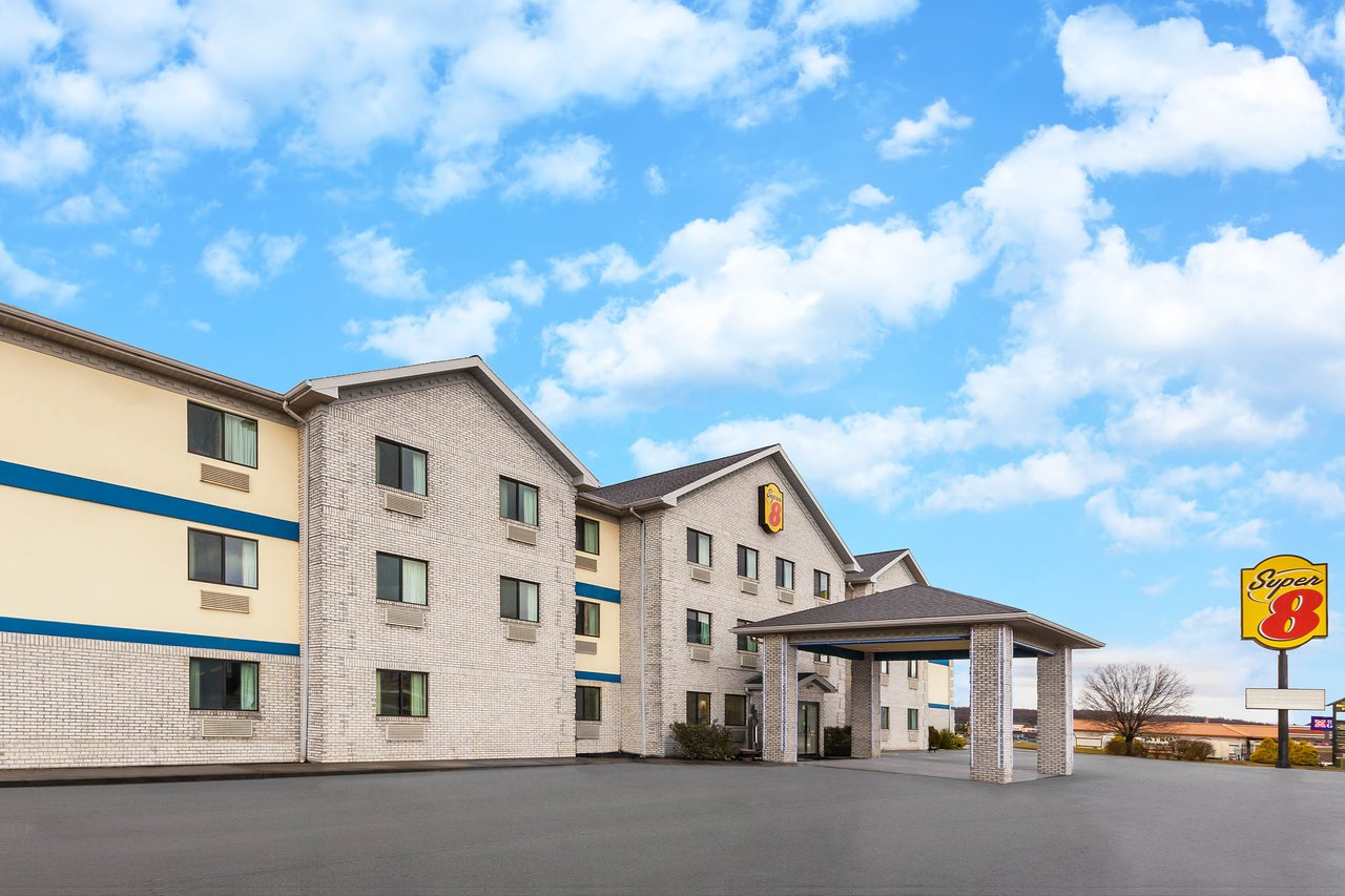 SUPER 8 BY WYNDHAM UNIONTOWN PA - Updated 2019 Prices ... on street map clarion pa, street map wilkes barre pa, street map allentown pa, street map norristown pa, street map york pa, street map pittsburgh pa, street map kingston pa, street map columbia pa, street map wilmerding pa, street map bethlehem pa, street map middletown pa, street map johnstown pa, street map hanover pa, street map elizabethtown pa, street map hermitage pa, street map malvern pa, street map aliquippa pa, street map oil city pa, street map media pa, street map carlisle pa,
