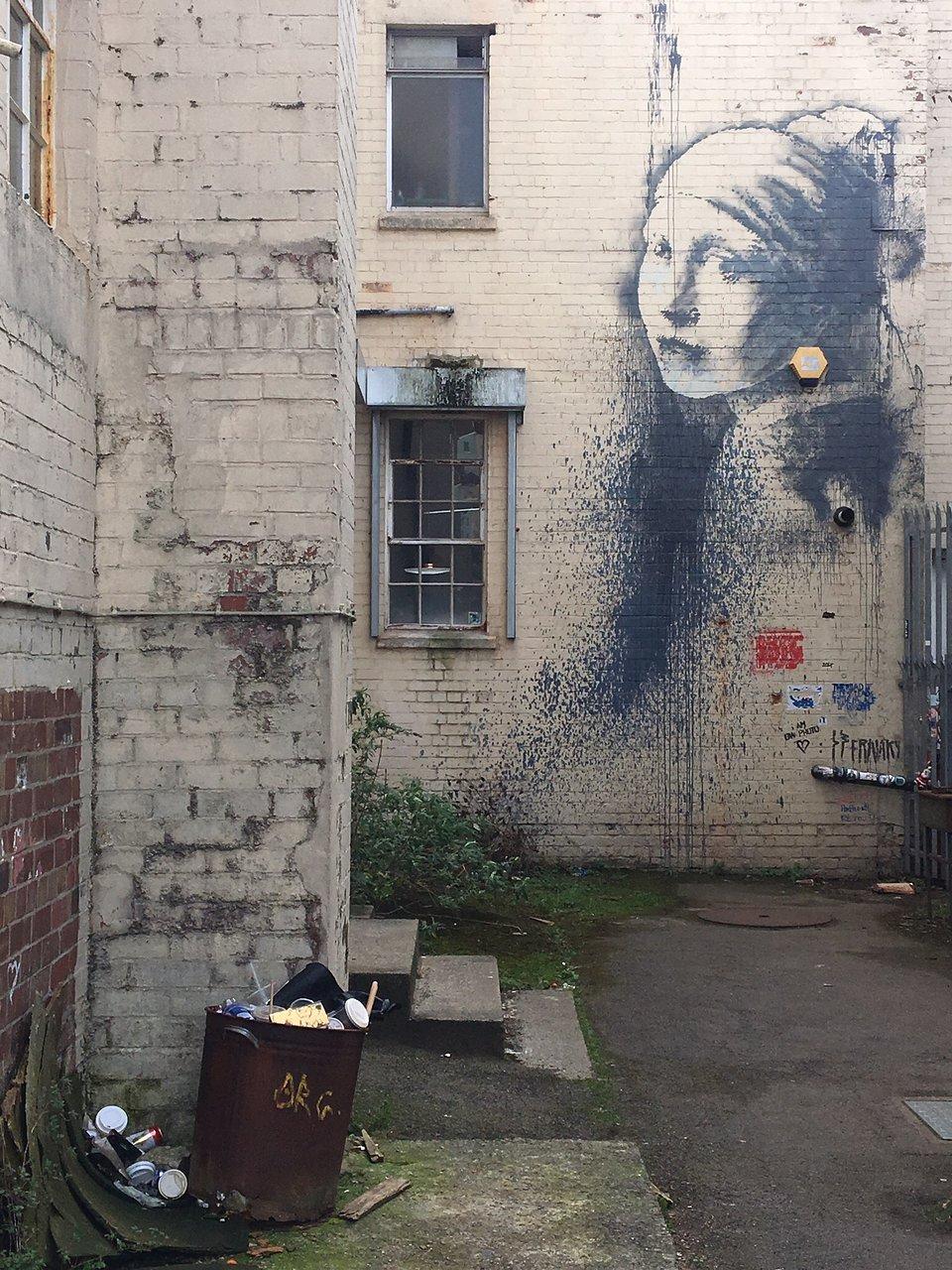 Girl with a Pierced Eardrum (Bristol) - 2020 Qué saber antes de ir ...