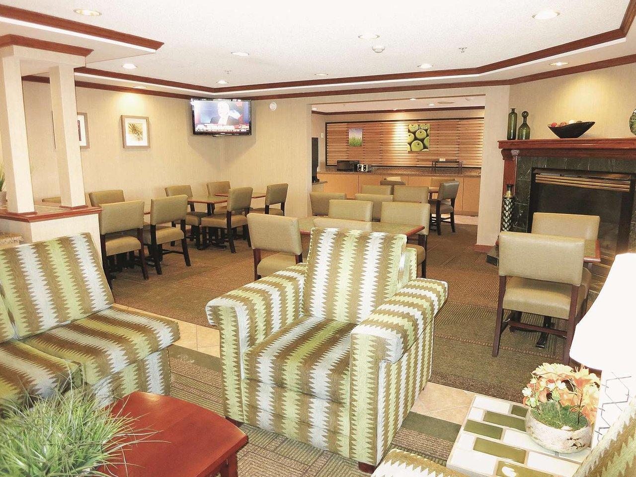 la quinta inn by wyndham milwaukee west brookfield 75 1 0 6 rh tripadvisor com