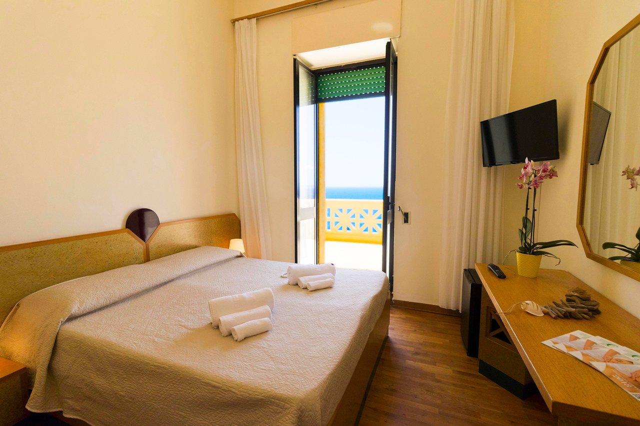 Gradini Per Scale Interne albergo palazzo (santa cesarea terme, italien) - omdömen och