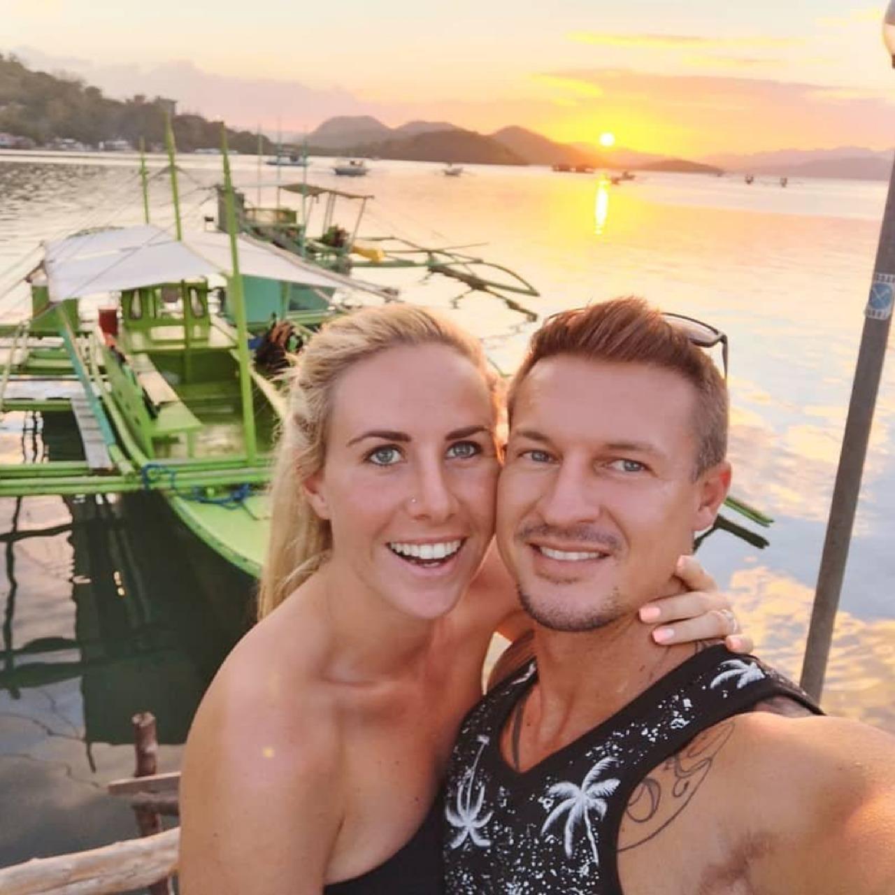 vacker Filipina dating Sarah blitt dating hem sida