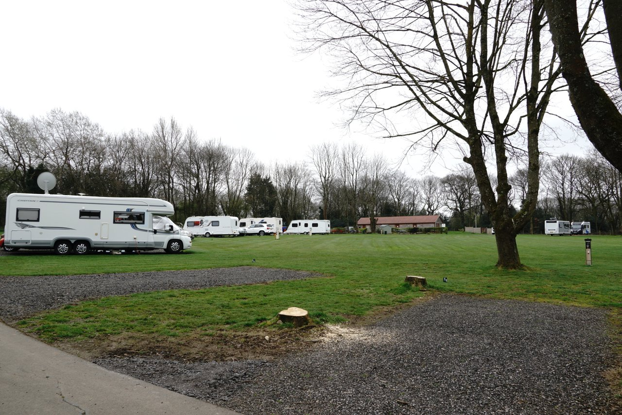 OAK VIEW CARAVAN PARK (FORMERLY SCRAGGED OAK) - Updated 2019
