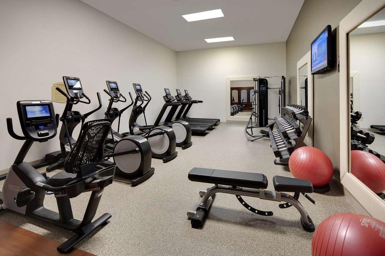 Embassy suites by hilton dallas park central area $95 $̶1̶8̶6̶