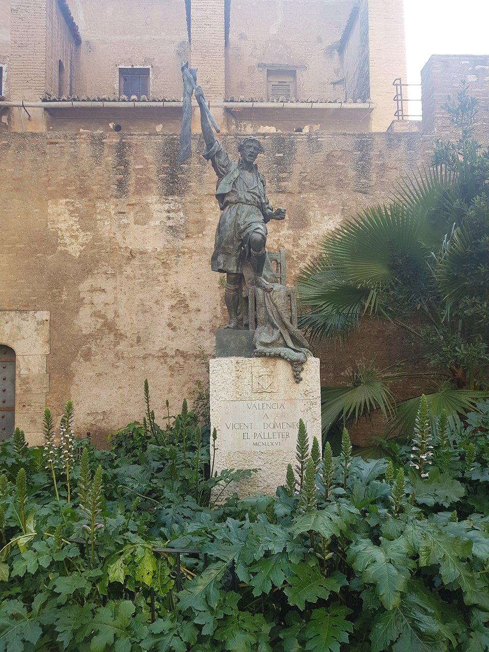 Monumento A Vicente Domenech Valencia 2020 All You Need To Know Before You Go With Photos Tripadvisor