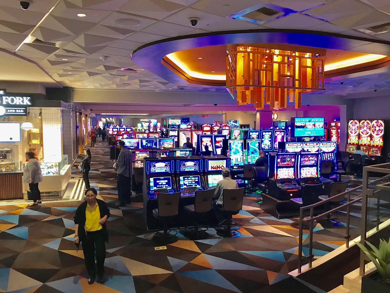 Palace station casino poker room schedule